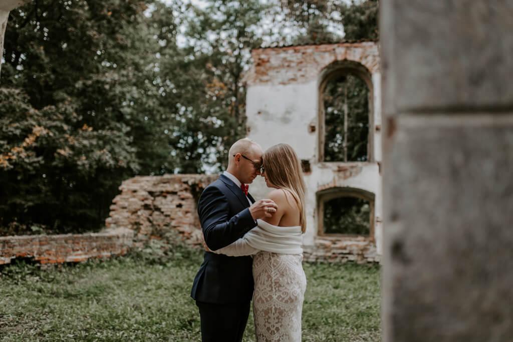 Plener ślubny w ruinach (8)