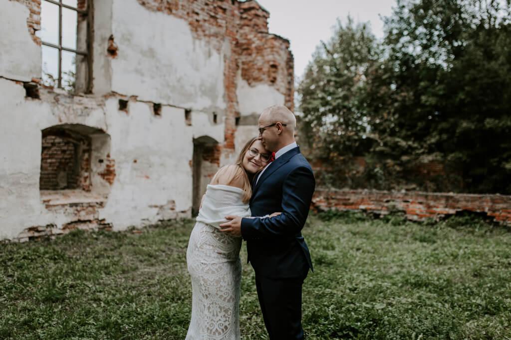Sesja ślubna ruiny Mrągowo (2)